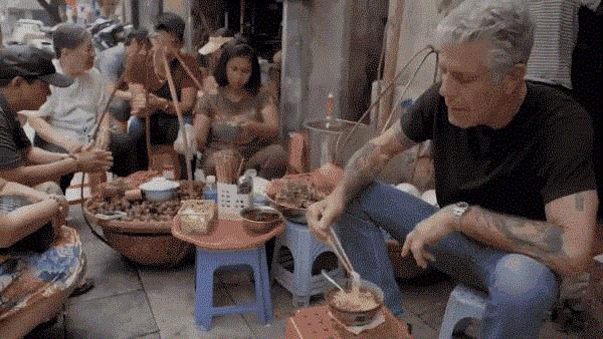 Quán ăn Việt, Anthony Bourdain, người đầu bếp, ẩm thực Việt