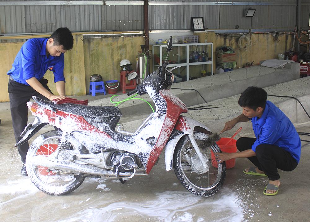 thanh niên, Bắc Giang, rửa xe