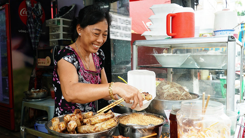 In Saigon, grilled pork perfection for four decades