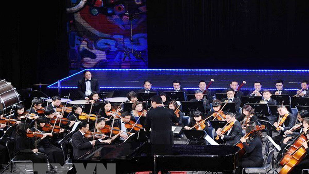 Vietnamese, US, same stage, Ballet Symphony Orchestra, CREDO choir, special music programme, summer melody, popular works, music programme