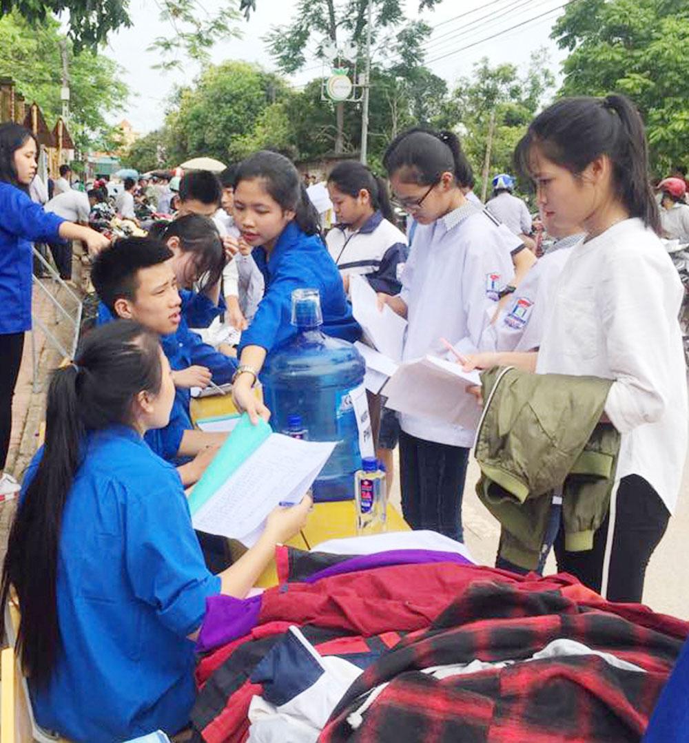 mùa thi, áo xanh tình nguyện, thí sinh, Kỳ thi THPT quốc gia