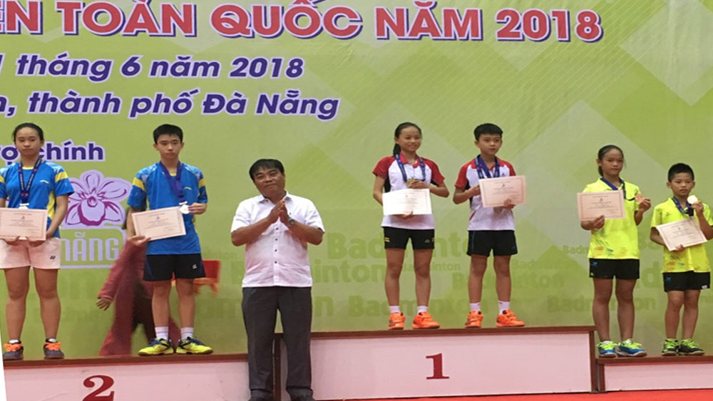 Bac Giang province, 9 medals, national teenager badminton championships, Da Nang city, young players,  men's singles, women's singles, men's doubles, women's doubles, mix doubles,  uniform players, excellent performances
