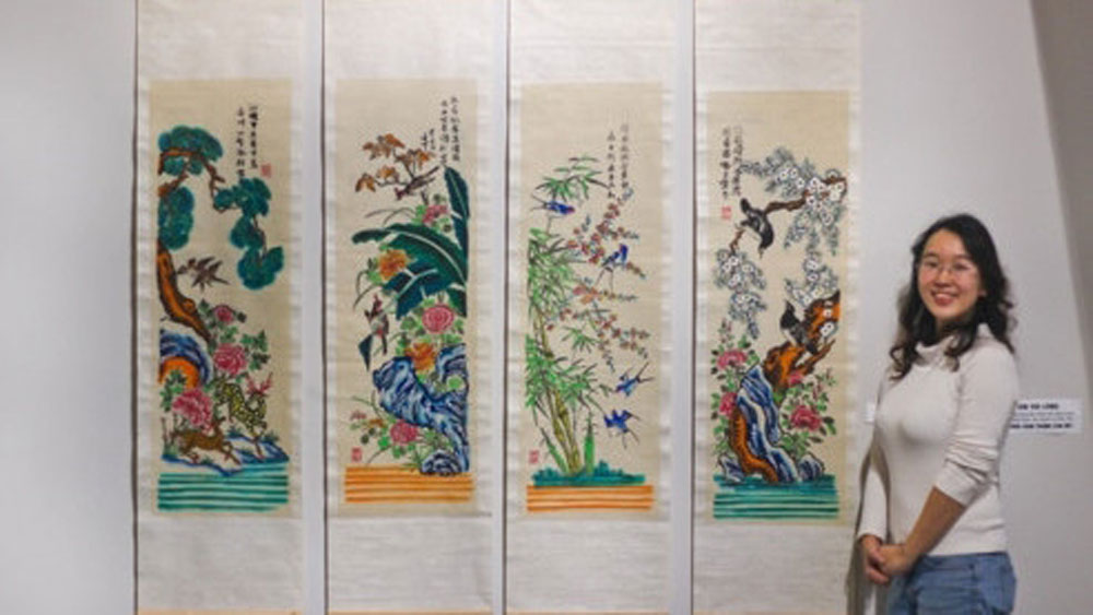 Designer Trinh Thu Trang, revival of public interest, Hang Trong folk painting, S-River, common interest, ancient Vietnamese culture, well-known painting, traditional folk genre