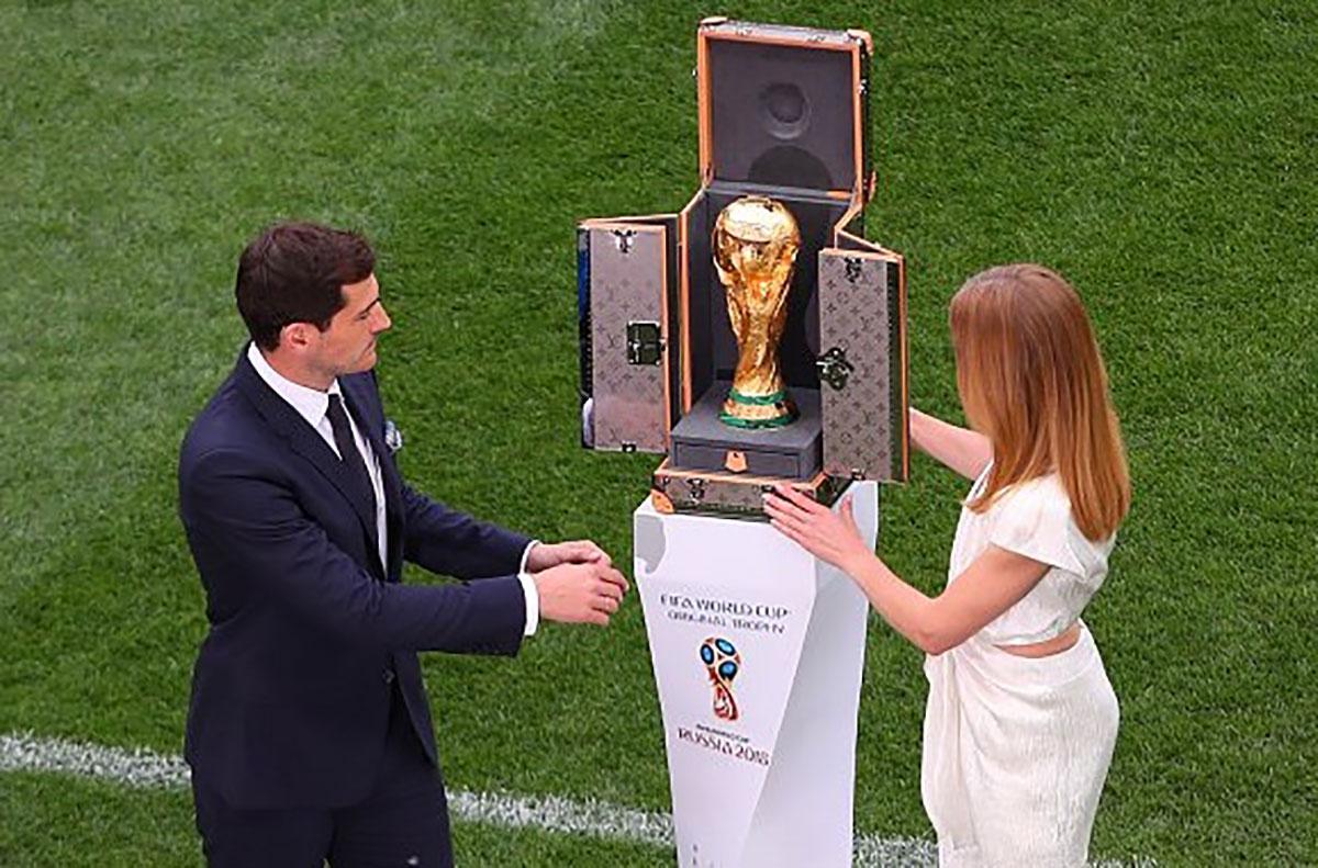 Khai mạc, World Cup 2018, sôi động, sâu lắng