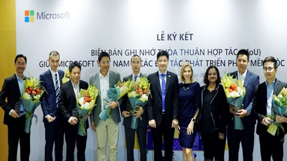 Microsoft helps Vietnamese firms accelerate digital transformation