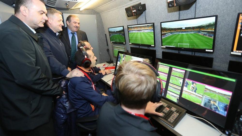 Khám phá công nghệ VAR, siêu trọng tài của World Cup 2018