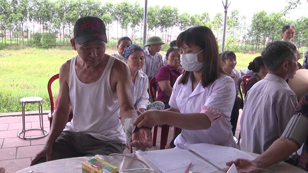 Yên Dũng, thầy thuốc trẻ, học Bác, chăm lo sức khỏe nhân dân.
