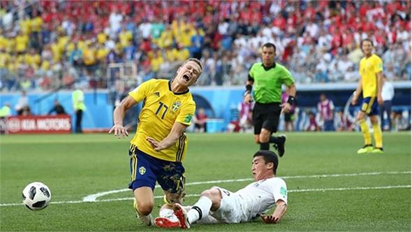 Có công nghệ VAR trợ lực, Thụy Điển may mắn đánh bại Hàn Quốc
