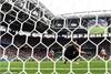 Hàng thủ mắc lỗi, Ba Lan thua sốc Senegal