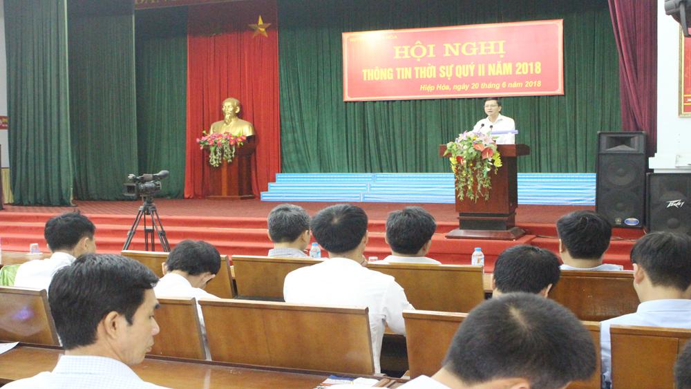 Hội nghị thông tin thời sự cán bộ chủ chốt