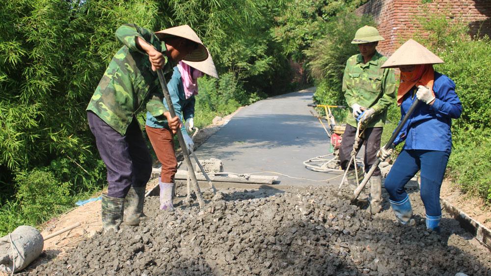 Xã Thắng Cương chú trọng cứng hóa đường giao thông nông thôn