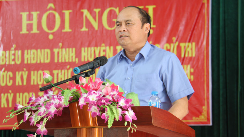 Đại biểu HĐND tỉnh và huyện Việt Yên tiếp xúc cử tri trước kỳ họp