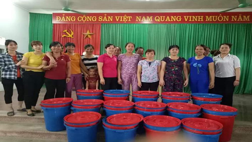 Hiệp Hòa: Cấp hơn 10 nghìn thùng đựng rác cho hội viên phụ nữ