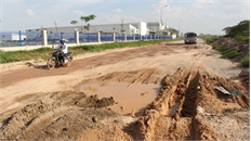 Chậm sửa chữa đường gom cao tốc Hà Nội - Bắc Giang