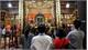 Sĩ tử dồn về Văn Miếu cầu may trước kì thi THPT quốc gia