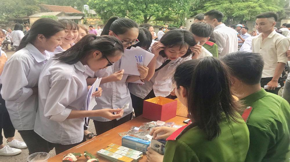 Thi THPT quốc gia: Môn Toán có 65 thí sinh vắng