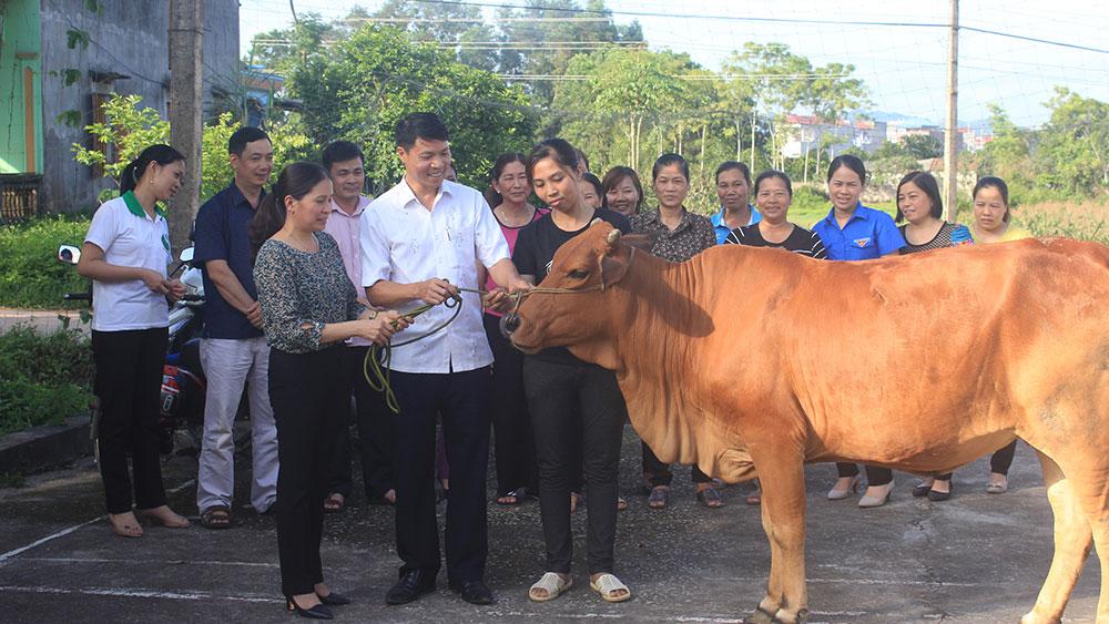 Phụ nữ, Yên Thế, biến rác thành bò