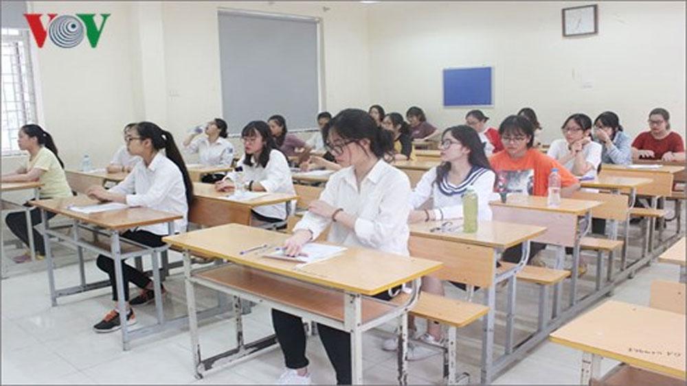 Buổi thi Khoa học tự nhiên: 8 thí sinh bị đình chỉ