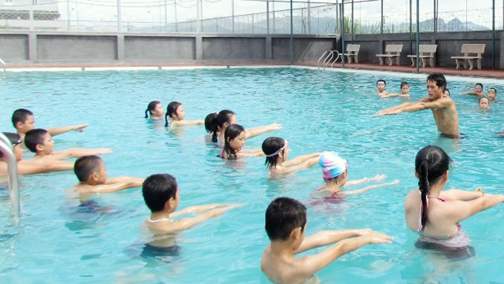 New programme, drowning prevention, Vietnamese children, life-saving programme, water safety, effective child supervision, swimming lessons