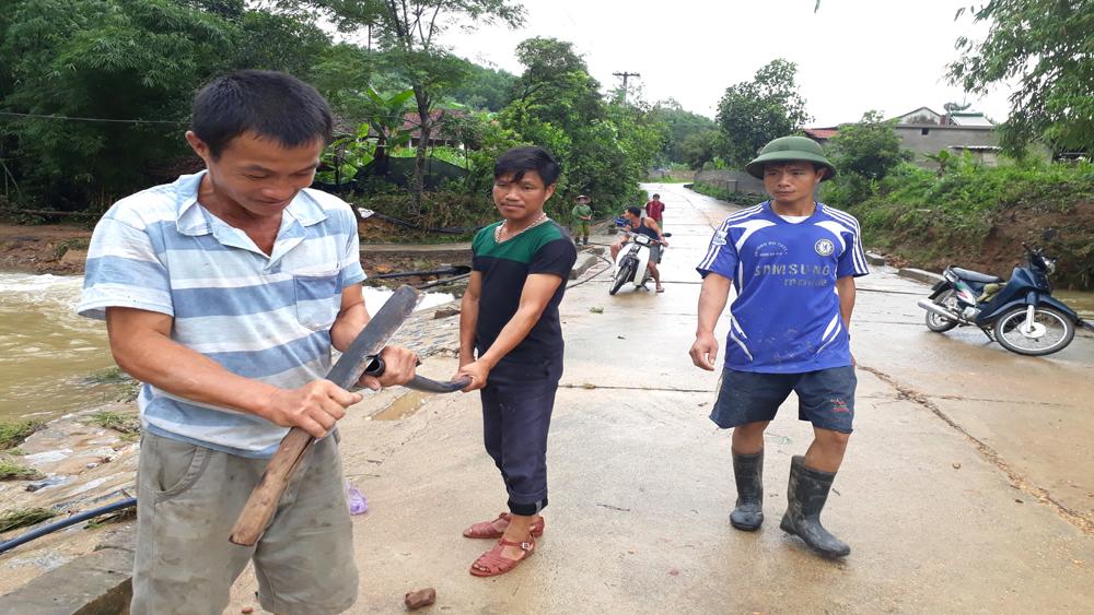 Sơn Động: Lũ rút, khắc phục xong sự cố về điện