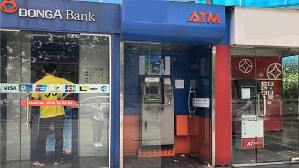 Thêm chủ thẻ DongA Bank bị mất 116 triệu đồng trong tài khoản