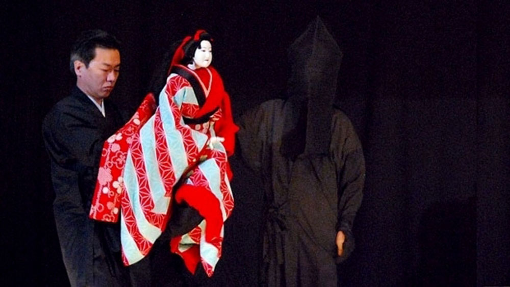 Traditional Japanese puppet shows to entertain Vietnamese public