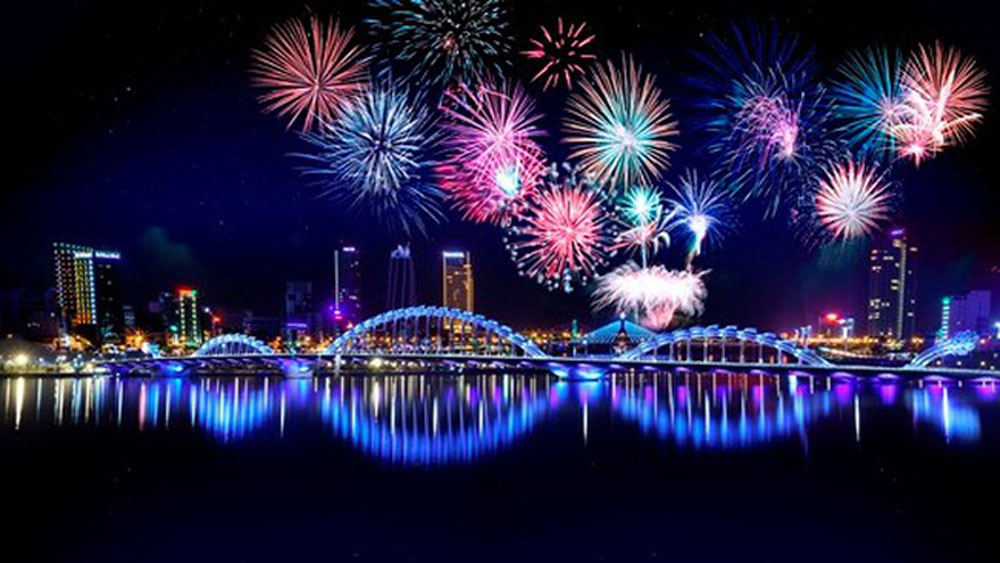Italy wins Da Nang International Fireworks Festival 2018