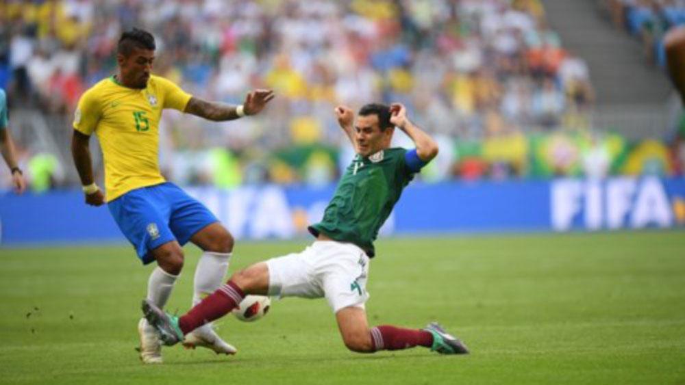 Brazil dễ dàng vào tứ kết World Cup