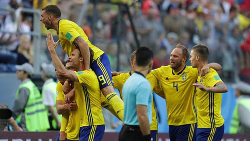 Nghẹt thở đánh bại Thụy Sĩ, Thụy Điển giành vé vào tứ kết