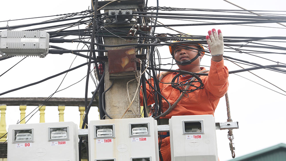 Heat wave sends power consumption to record high in northern Vietnam
