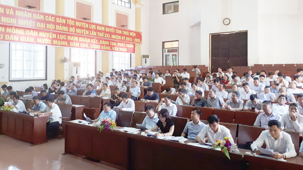 Lục Nam chuyển biến tích cực giữa nhiệm kỳ thực hiện Nghị quyết Đại hội đảng các cấp