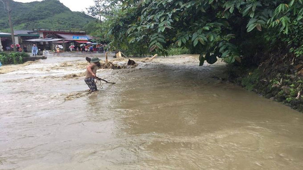 China donates $174,000 flood relief to northern Vietnam