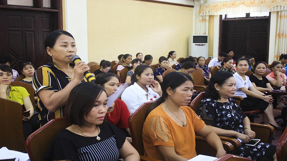 Chủ tịch HĐND, UBND TP Bắc Giang tiếp xúc, đối thoại với phụ nữ