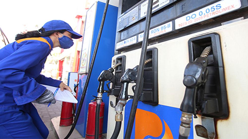 Giữ nguyên giá xăng, giảm 5 đồng dầu diesel
