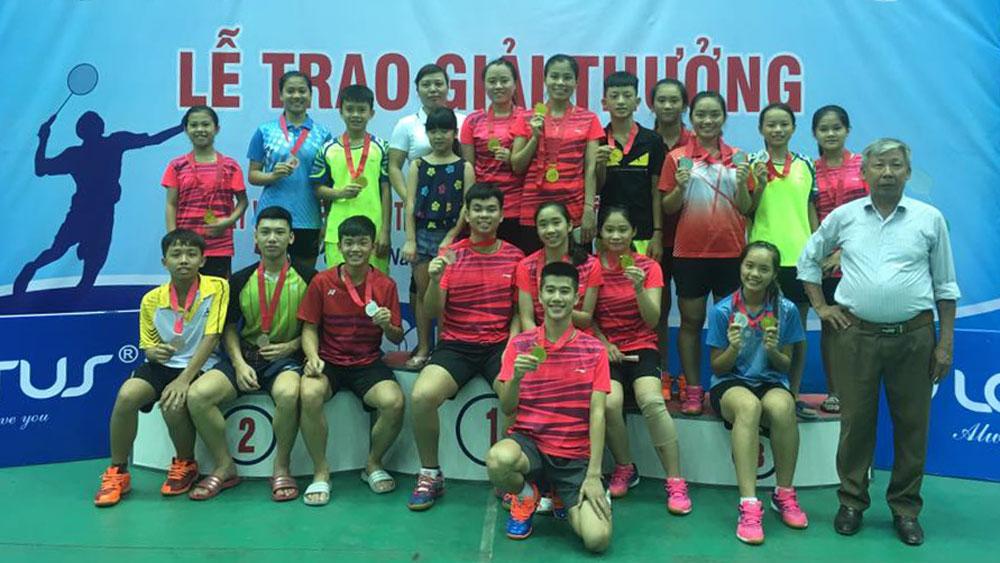 Bắc Giang giành vị trí nhất toàn đoàn tại Giải cầu lông các cây vợt thiếu niên, trẻ xuất sắc toàn quốc