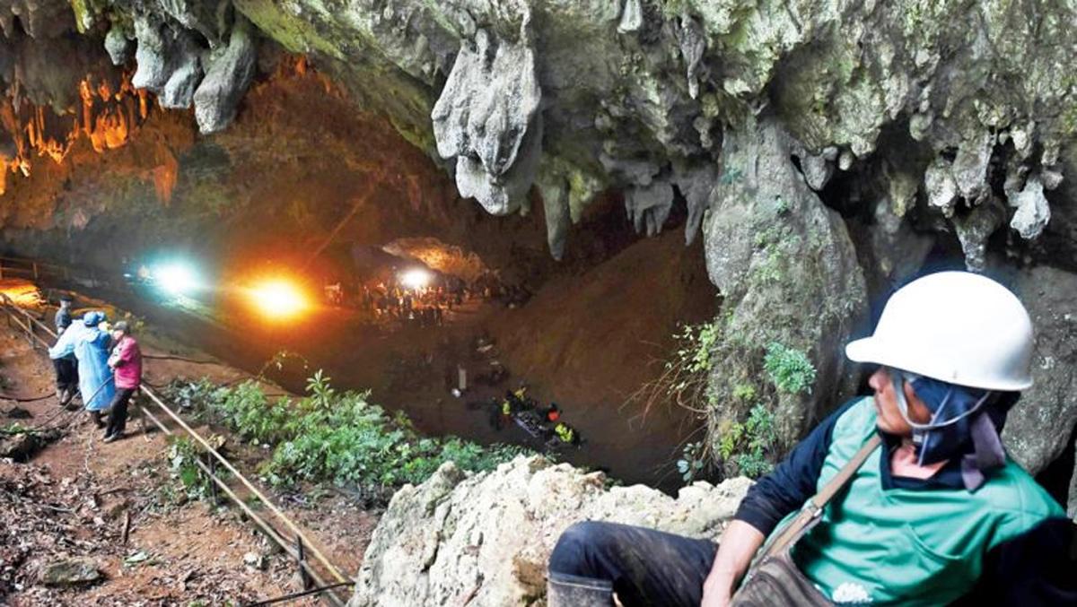 Cận cảnh hang Tham Luang- nơi đội bóng thiếu niên Thái Lan mắc kẹt