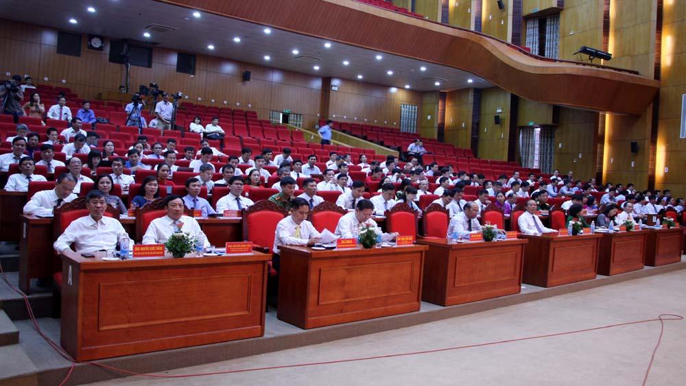 Các đại biểu tham dự phiên khai mạc kỳ họp thứ 5, HĐND tỉnh khóa XVIII.