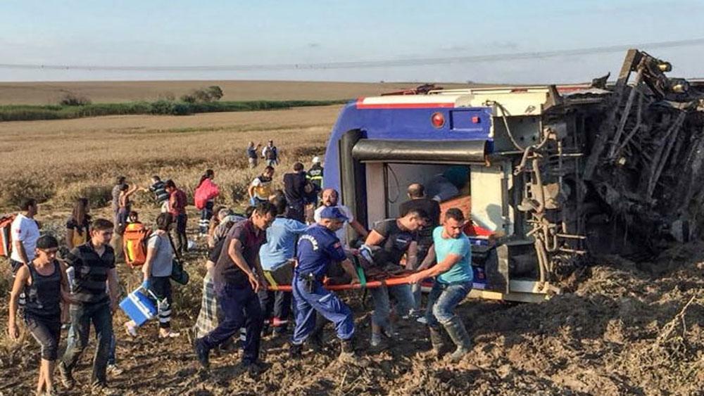 Tai nạn tàu hỏa nghiêm trọng, hơn 80 người thương vong