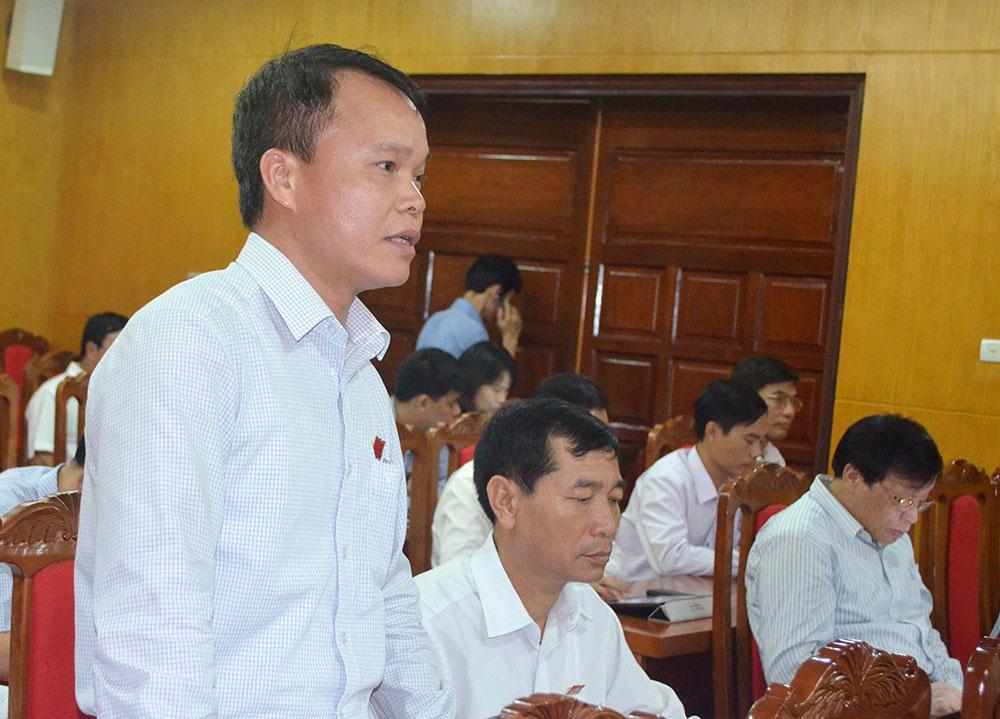 Đại biểu Đặng Hồng Chiến thảo luận về tình trạng khiếu kiện kéo dài liên quan đến lĩnh vực đất đai.