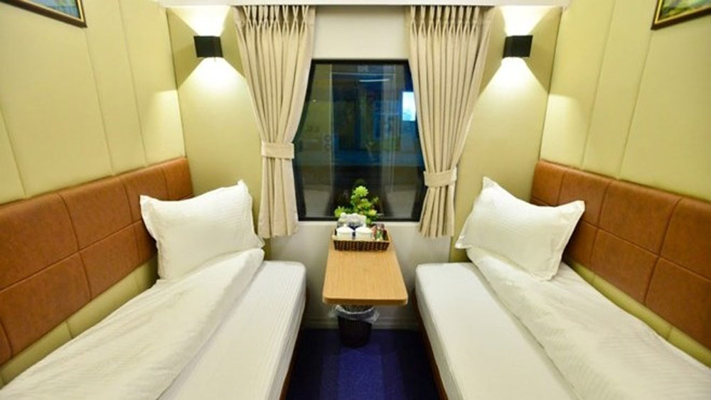 VIP 2-bed cabins on high-quality trains serve Hanoi - Ho Chi Minh City route