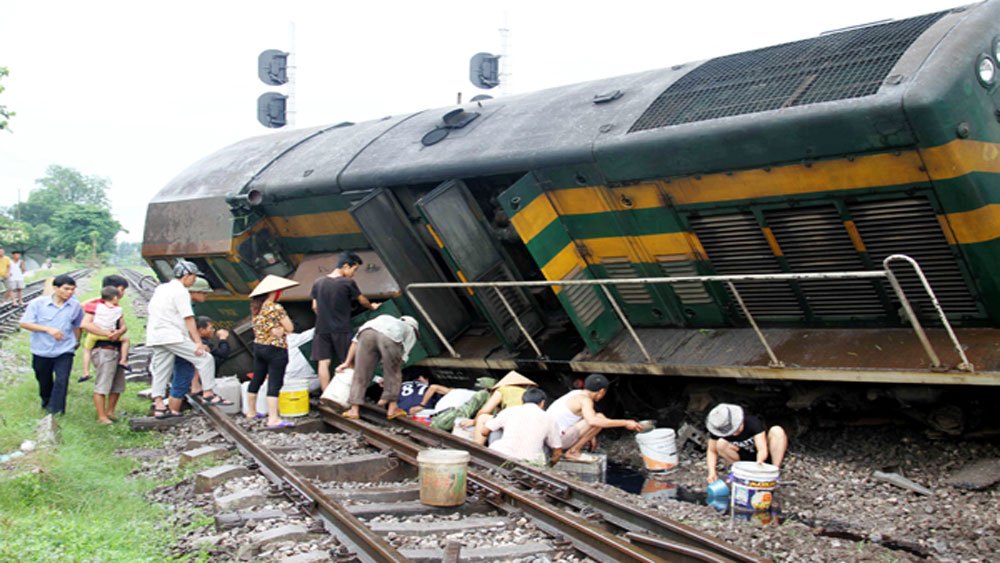 Tàu hỏa, trâu thả rông, đường sắt, Bắc – Nam, tê liệt, nhiều giờ