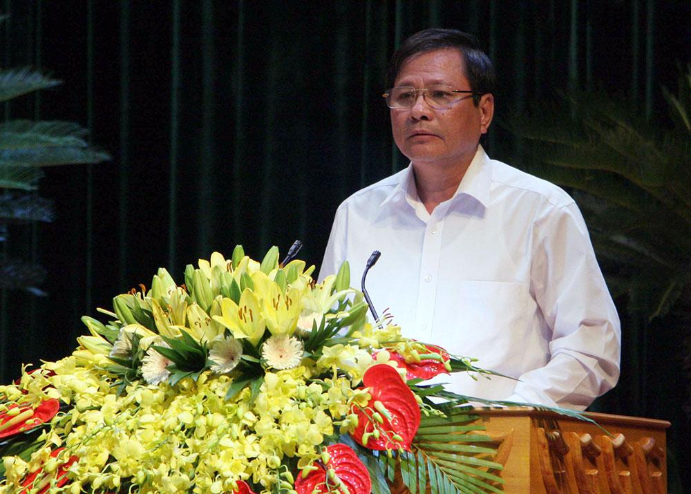 Ông Bùi Ngọc Sơn, Giám đốc Sở Nội vụ thảo luận về công tác cải cách hành chính, sắp xếp bộ máy, tinh giản biên chế.