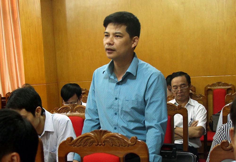 Đại biểu Đoàn Mạnh Chiến, Phó Chủ tịch HĐND huyện Việt Yên phản ánh nhiều khó khăn trong bảo đảm an ninh trật tự tại các khu, cụm công nghiệp.