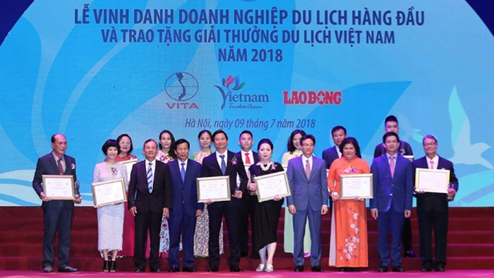 Vietnam Tourism Awards, 2018, outstanding travel agencies, positive contributions, hospitality sector, tourism investment groups, Vietnamese tourism