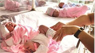 Gia đình ở Hà Nội kiện bệnh viện trao nhầm con 6 năm trước
