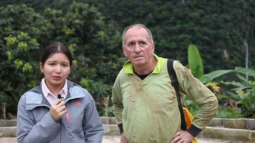 """""""Thầy phù thủy"""" vẽ đường giải cứu đội bóng Thái Lan"""