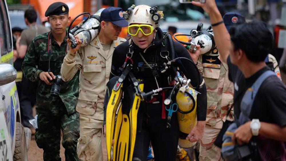 """Thợ lặn đầu tiên tìm thấy đội bóng Thái Lan:  """"Những gì chúng tôi làm đều có sự tính toán tỉ mỉ và rất bình tĩnh"""""""