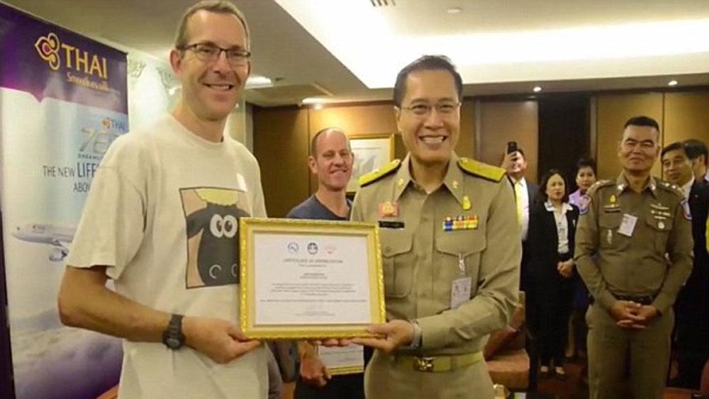 """Thợ lặn, đầu tiên, tìm thấy, đội bóng, Thái Lan, """"Chúng tôi không phải người hùng"""""""