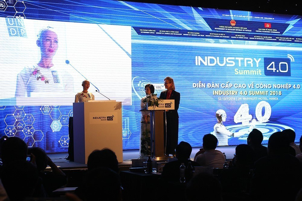Robot citizen Sophia, Industry 4.0, Summit & Exhibition, world's first robot citizen, direct discussion