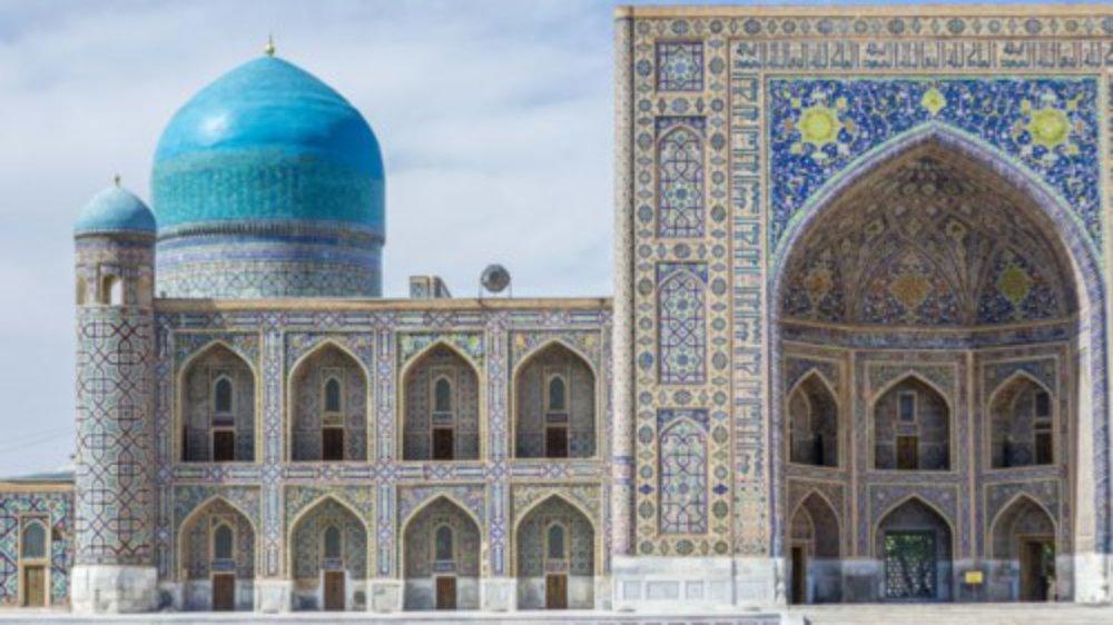 Tạp chí du lịch đánh giá cao quốc gia vùng Trung Á về chính sách miễn thị thực, cấp thị thực điện tử, các tuyến đường bay mới và hệ thống tàu điện cao tốc mới xây dựng. Những điều này giúp du khách dễ dàng tiếp cận các thành phố cổ và giàu văn hóa ở Uzbekistan.